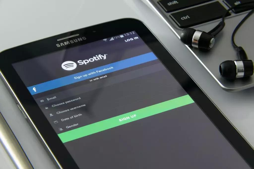 Music Management Tips to Help You Become a Verified Artist on Spotify