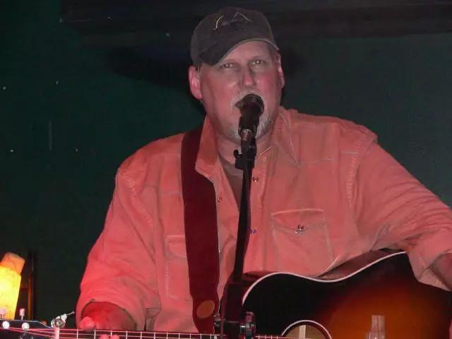 Steve-Guitar