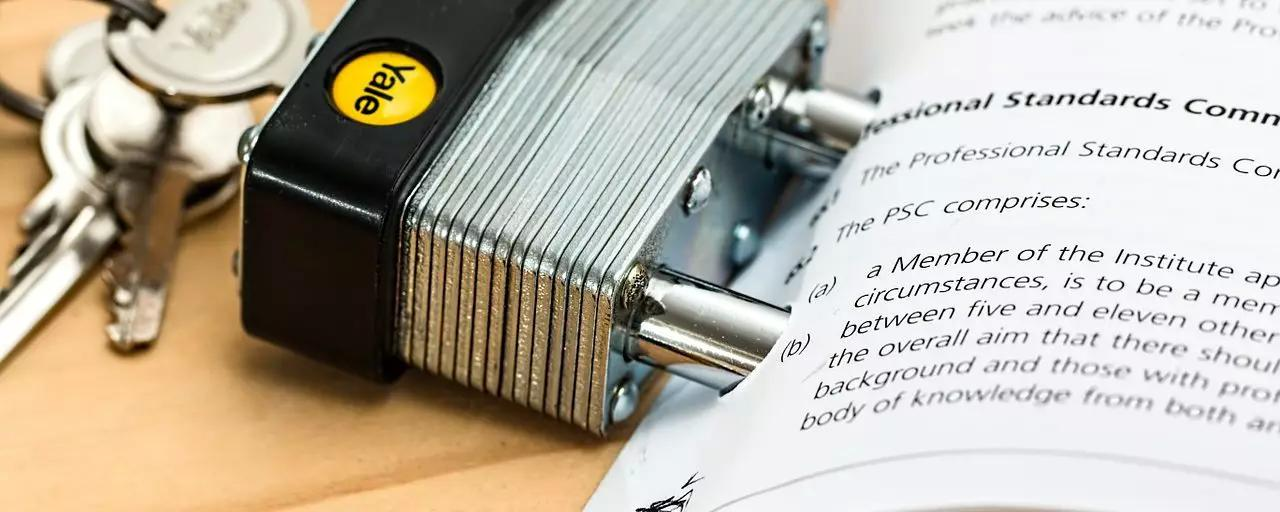 Acting as Your Own Music Manager? Learn the Basics of a Good Booking Agreement
