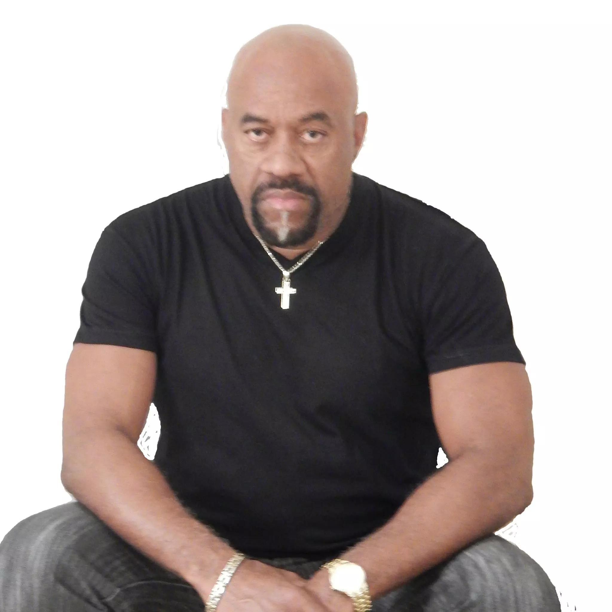 Kenny-Tomlin-profile-pic