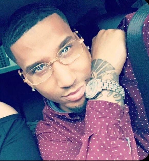 R & B Sensation Wilyumm Francis' pioneering new sound brings a mush needed new flavor to  the Hip Hop & R&B world.