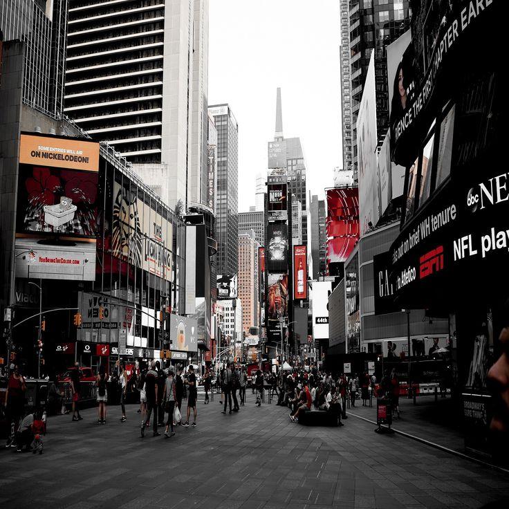 people-walking-on-the-street-1402790
